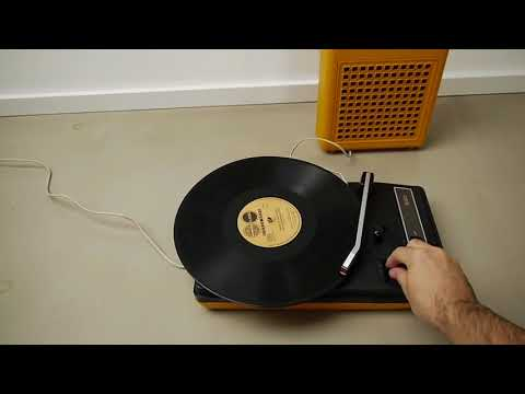 Vintage Philips 133 Portable Record Player Playsound 70s UFO Space Age Design