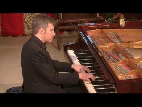 Richard Uttley plays Schumann : Waldszenen
