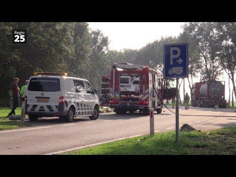 Tollebeek - Lekke tankwagen op parkeerplaats A6
