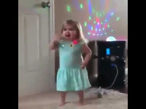 Cute fat girl dancing and singingKaynak: YouTube · Süre: 1 dakika1 saniye