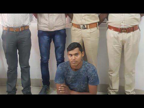 મોબાઈલ-ચોર-ઇસ-મને-પકડી-પાડતી-રાવપુરા-પોલીસ-સ્ટેશન-ટીમ-//-nn9-news