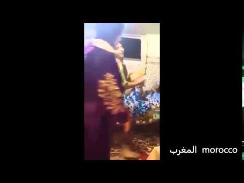 مخنث مغربي آخر يغني ويرقص بمؤخرته thumbnail