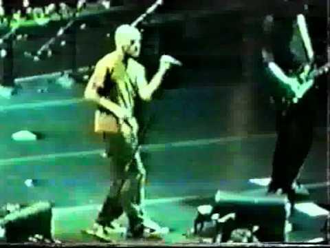 R.E.M. - Pop Song '89 (Philadelphia 1995)