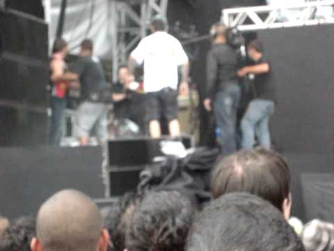 Briga no show do Ultraje SWU (vídeo) fight peter gabriel brazil
