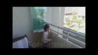 видео Красивое безрамное остекление
