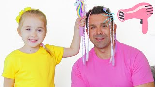 Hanna Pretend Play Hairdresser with her Dad - for Kids