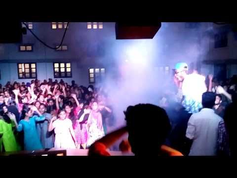 DJ VINEETH  @  COCHIN COLLEGE........04---FEB---2015