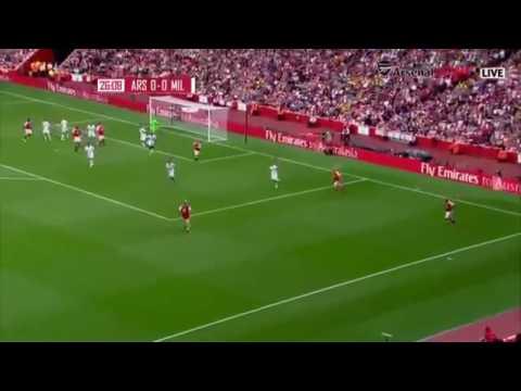 Watch: Kanu Scores Hat-trick As Arsenal Legends Trash Milan Glorie