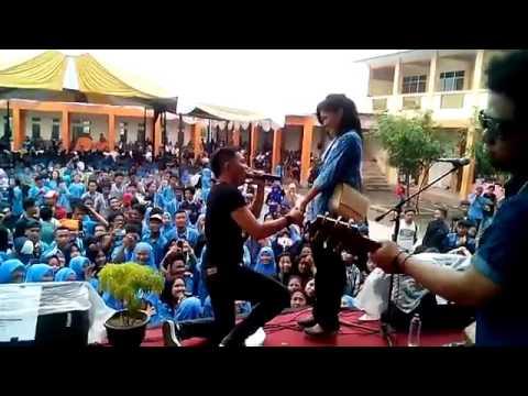 BIAN Gindas Memiliki Mu [Live SMK YAPISDA Cisoka Tangerang 14 MEI 2016]
