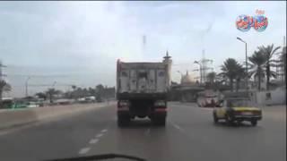 bbشــاهـدb.. مطاردة حية لقوات أمن الإسكندرية لـ سائق شاحنة هاجم كمين شرطة