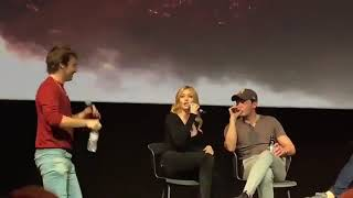 """Katherine McNamara joining Dom and Matt during their panel at the #DarkShadecon in Brussels ✨ Via …"""""""