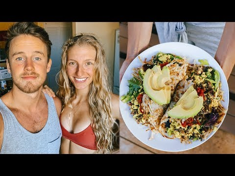What We Ate + Did Today in HAWAII (house tour + grocery haul)
