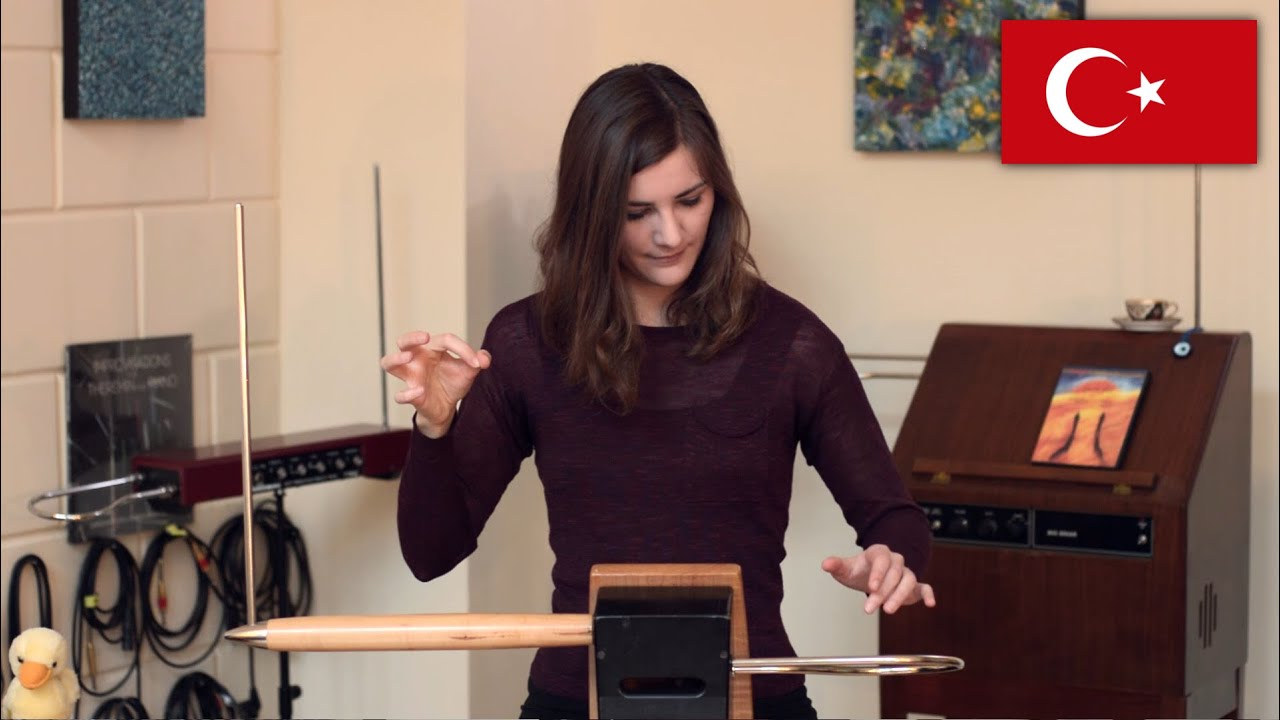 Playing Technique - İcra Tekniği | Carolina talks Theremin