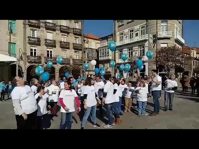 A asociación Juan XXIII celebra os seus 50 anos cun 'flashmob'
