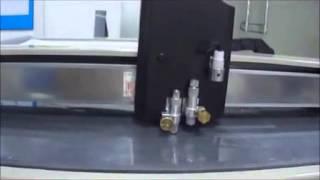 Aokecut@163.com Gd Cutting Table Machine Cardboard Sticker Decal Cutter Plotter Machine