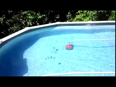 Robot de pisicina limpiafondos para piscina aquabug youtube Limpiafondos para piscinas