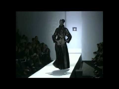 Viktor&Rolf Women's RTW -  Autumn/Winter 2001