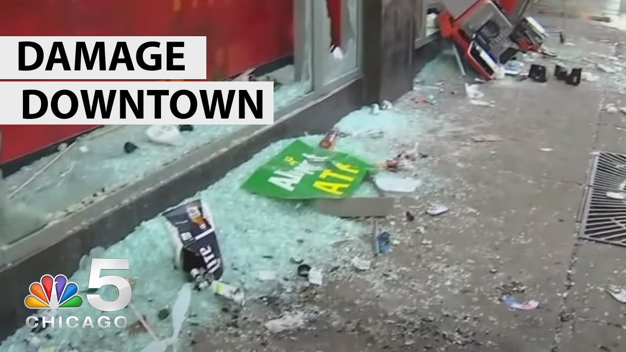 Looters smash business windows along Chicago's Magnificent Mile