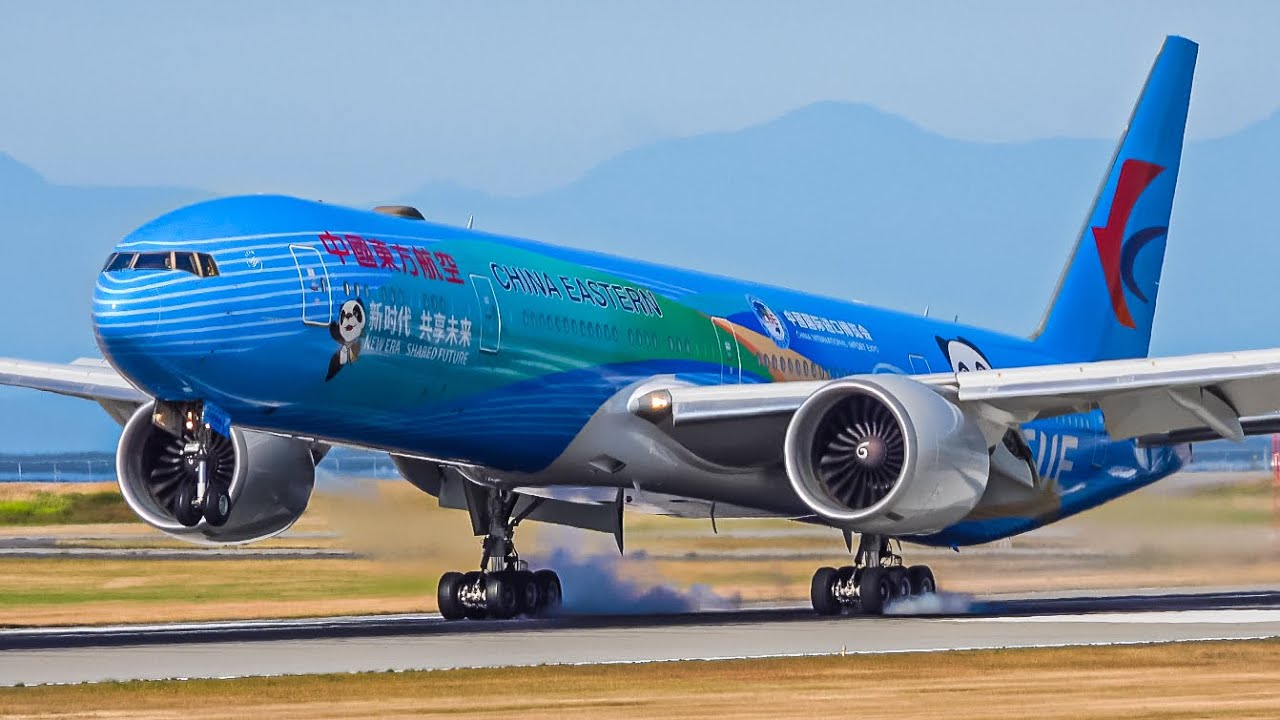 (4K) First Arrival: China Eastern (CIIE Livery) Boeing 777-300(ER) at Vancouver YVR