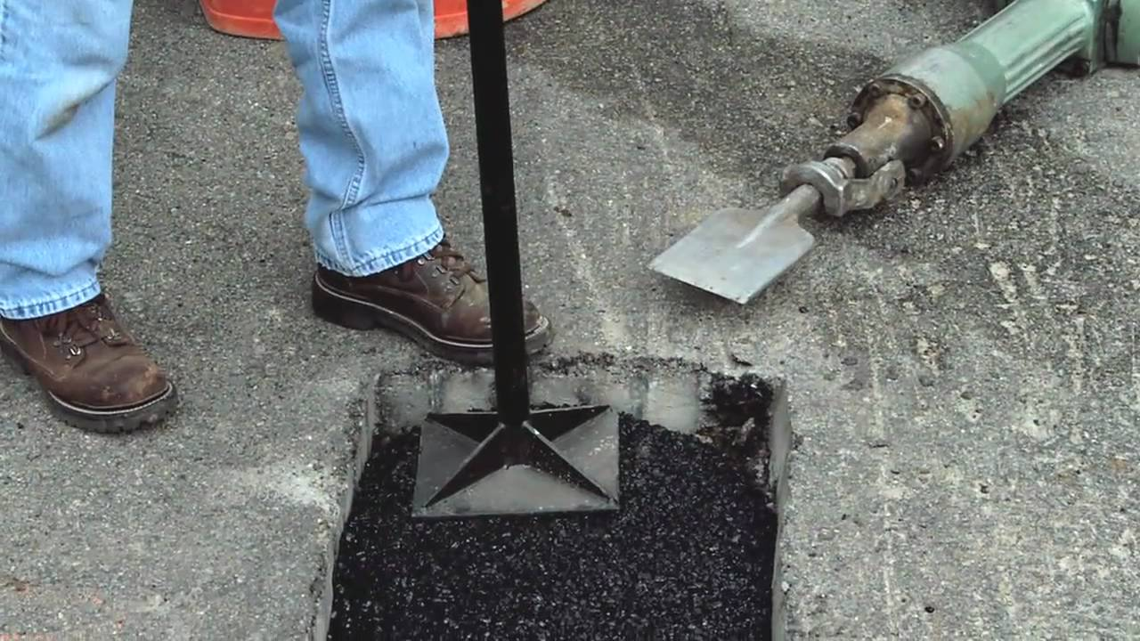 How To Make Permanent Pothole Repairs With Quikrete 174 Youtube