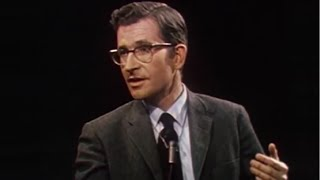 Noam Chomsky - Becoming a Political Activist