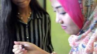 Download Video Jilbab Pink yang Cantik Asal Cirebon MP3 3GP MP4