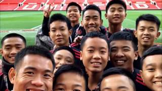 Thai Cave Boys come to fulfill Man U promise (UK/Thailand) - ITV London News - 28th October 2018