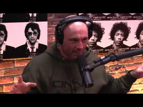 Joe Rogan tells a Dave Chappelle Story