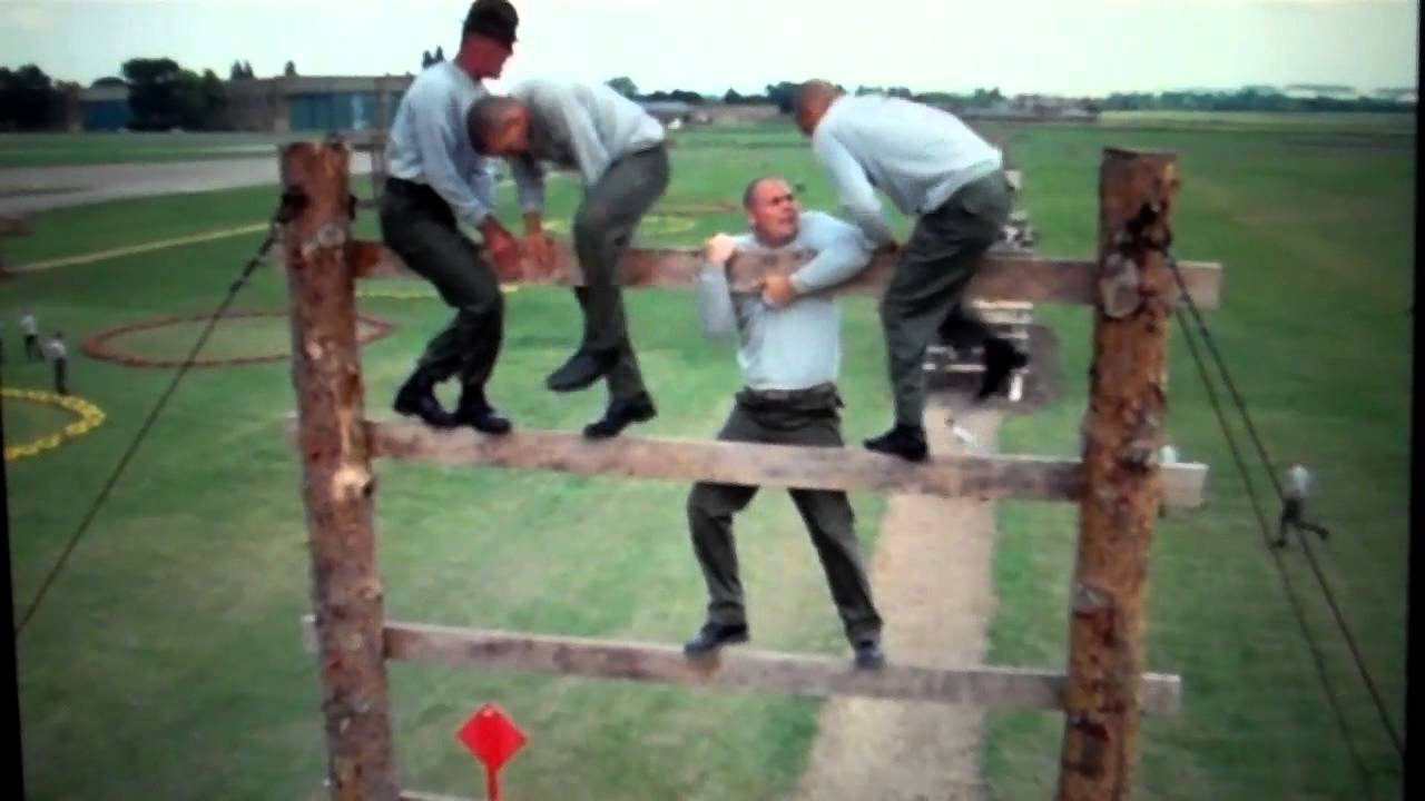 Full Metal Jacket: Climbing obstacle - YouTube