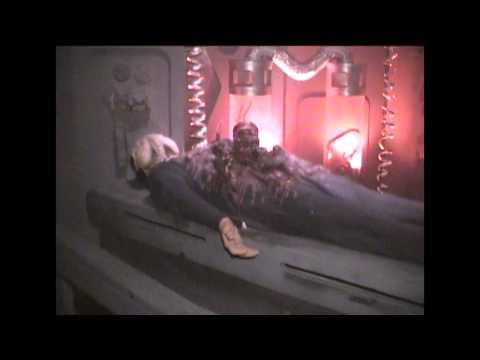 Knott's Scary Farm's HORRORWOOD HOTEL 2000 Maze Flow-Through