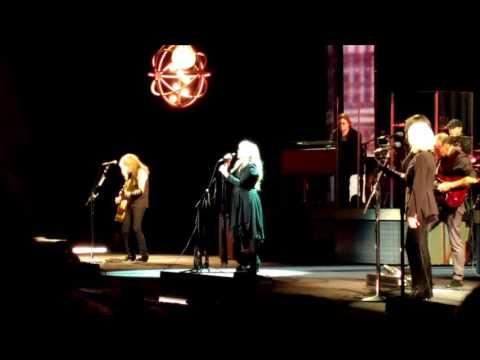 Stevie Nicks rogers Arena Vancouver December 2016