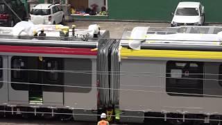 港鐵:沙中綫項目—東鐵綫現代列車普通等與頭等車廂連接過程 (3/3)