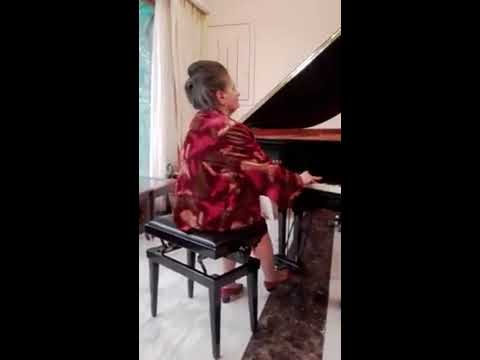 Marcella Crudeli plays F. Chopin Etude op.10 n.12