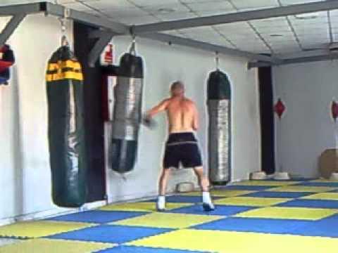 ENTRENANDO con el saco de boxeo 1