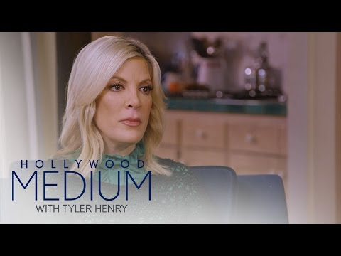 Tori Spelling Connects to Her Late Best Friend | Hollywood Medium with Tyler Henry | E!