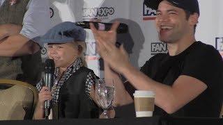 Jeremy Jordan - Lil Girl Rocks Newsies Song - Dallas Fan Days 2017