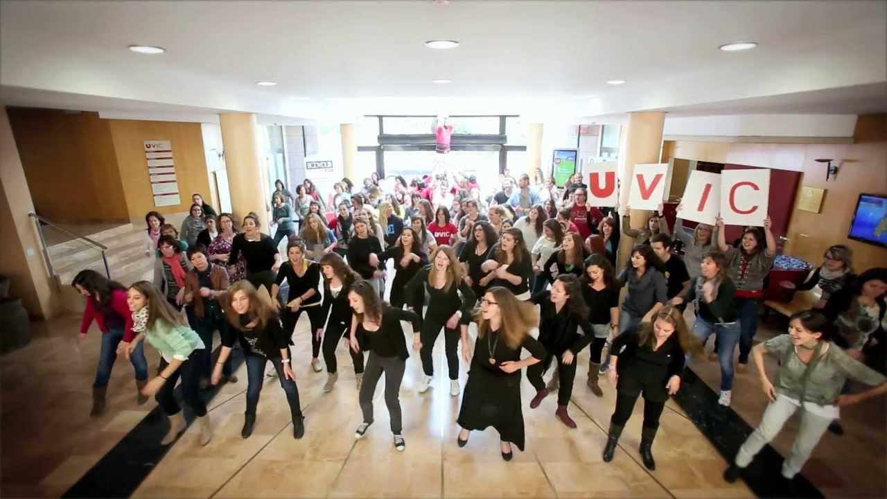 Bodydub Universitat de Vic. Body Percussion UVic. Estudiants de la UVic fent Percussió Corporal