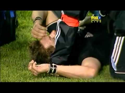 Rugby union, Lote Tuqiri tackle on Ritchie Mccaw.