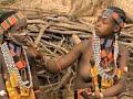 Сутенерша заманивала африканских девушек в бордель магическими ритуалами Вести 24 mp3