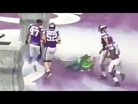 Vikings Sound Guy Nearly Killed By Linemen