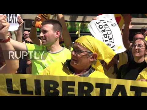 Spain: 300,000 rally in Barcelona calling for release of Catalan leaders