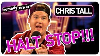 CHRIS TALL über Handys und Frauentausch. Im Comedy Tower darf er das!