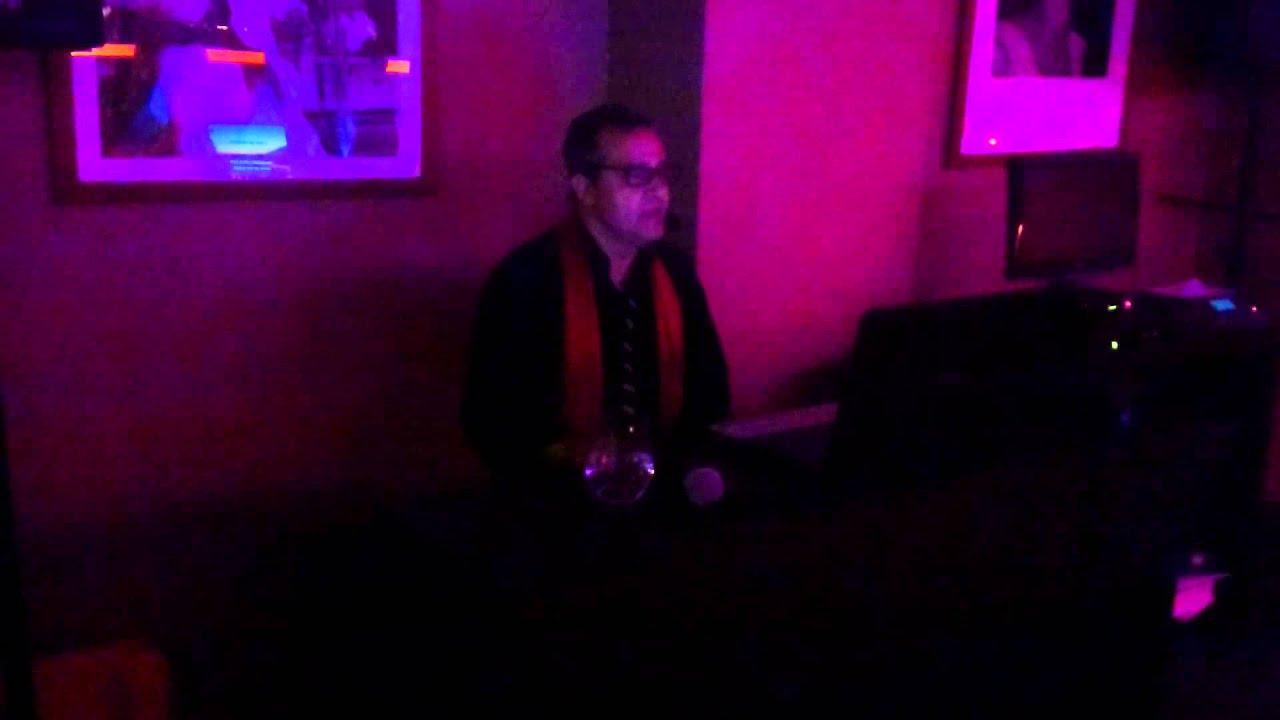 live alfonso pianiste et chanteur italien youtube. Black Bedroom Furniture Sets. Home Design Ideas