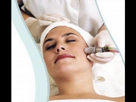 How Does Microdermabrasion Work (Demonstration) and What Is It Used For