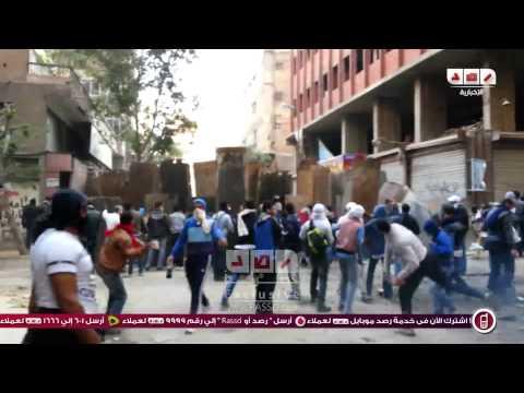 رصد | متظاهروا الالف مسكن يصنعون حواجز لصد الخرطوش وقنابل الغاز