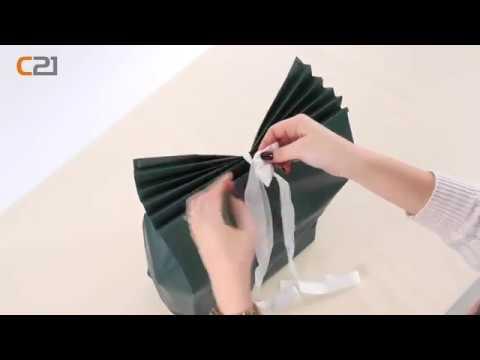tutorial geschenke verpacken t te f r gro e geschenke youtube. Black Bedroom Furniture Sets. Home Design Ideas