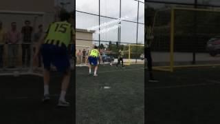 Ekpe Udoh basketboldan sonra futbola da el attı kalecilik yaptı