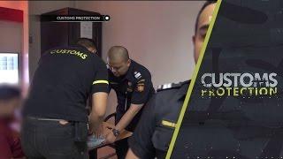 Anjing Pelacak Temukan Narkotika di Koper - Customs Protection