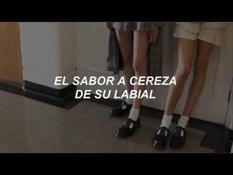 I Kissed A Girl ; Katy Perry // Español