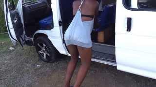Girl twerk for bus men
